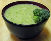 broccoli soup round bowl